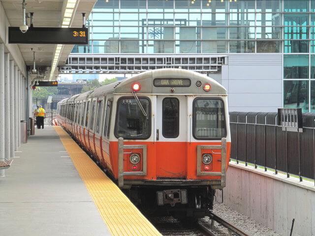 ボストン地下鉄オレンジライン電車車体